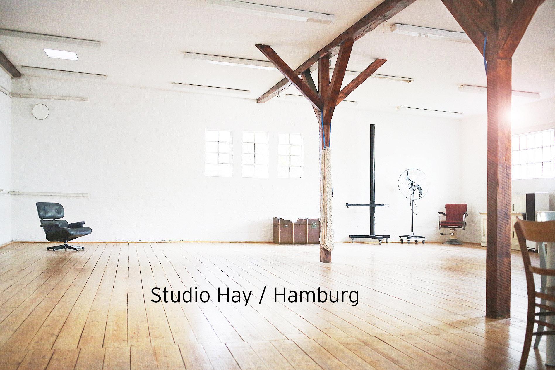 Studio-Hay